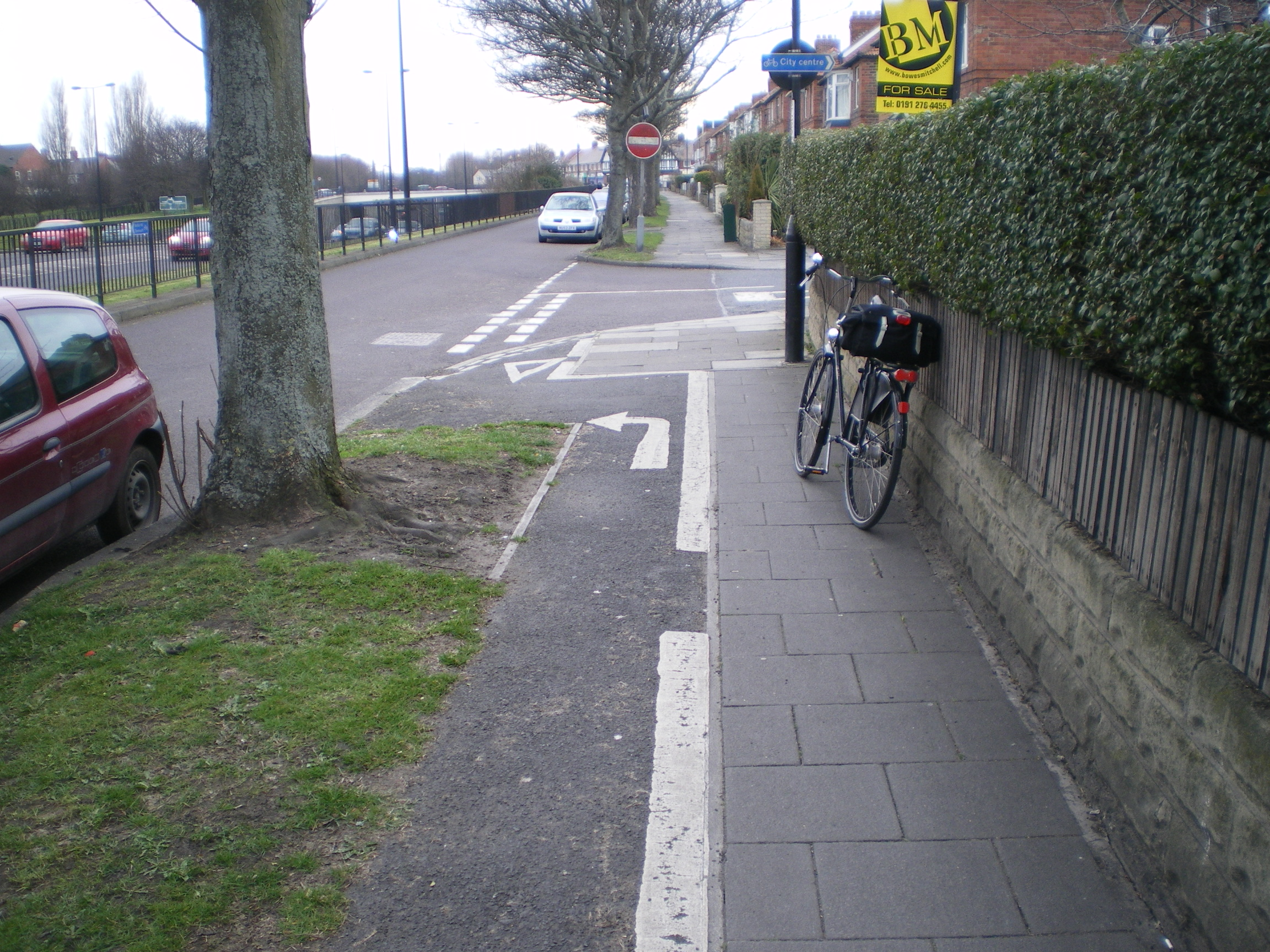 Cycle Path With Knobs On